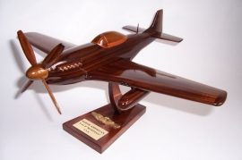 North American Aviation P-51 Mustang - model from wood