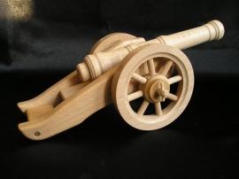 historic-wooden-kannon