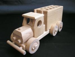 Holzmöbelwagen - Stifthalter