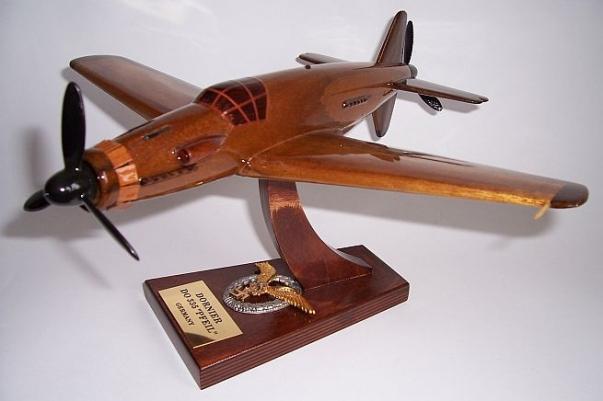 Dornier Do 335 Pfeil (Arrow) - aircraft wooden model