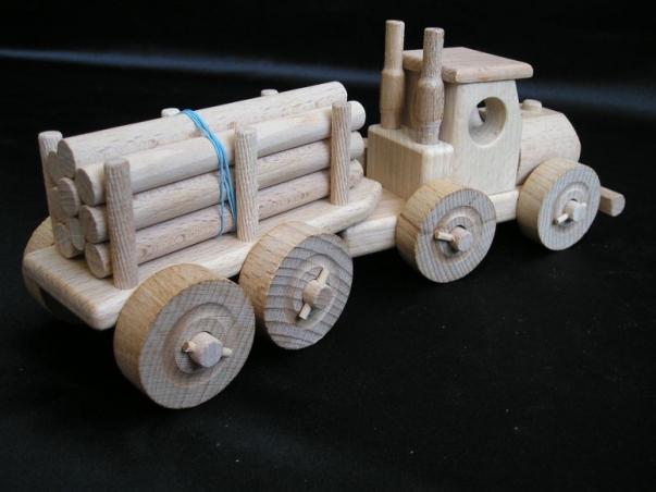 Truck holzcamion mit Holzfracht