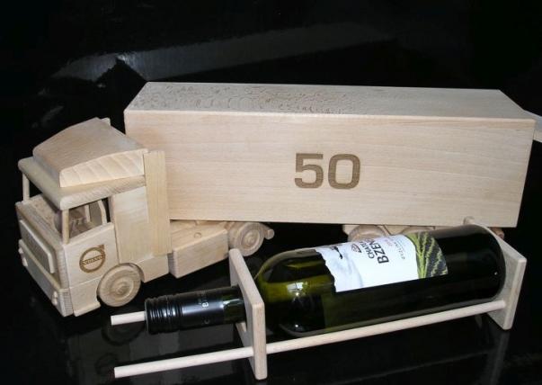 Present till lastbilschaufför, chef