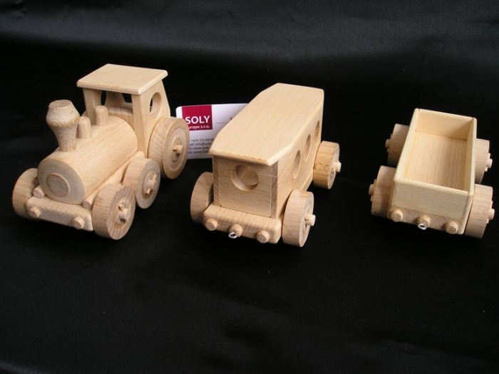 wooden-train-and-wagons