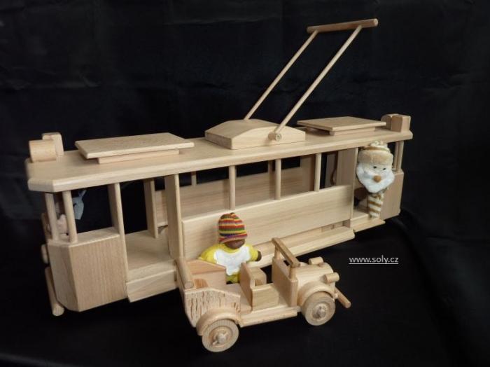 handmade-wooden-trams