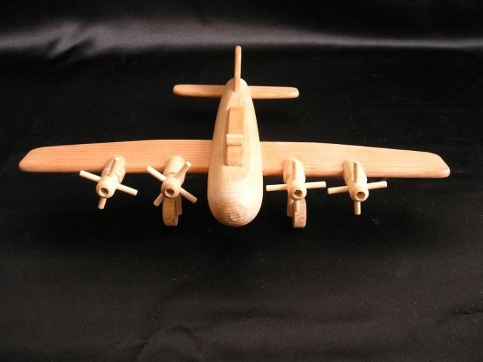 Flugzeug-holzspielzeug