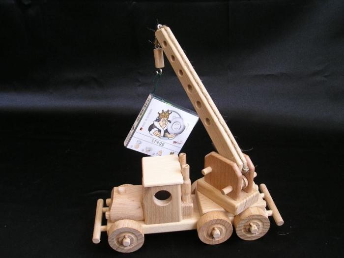 wooden-toys-truck-mobile-crane