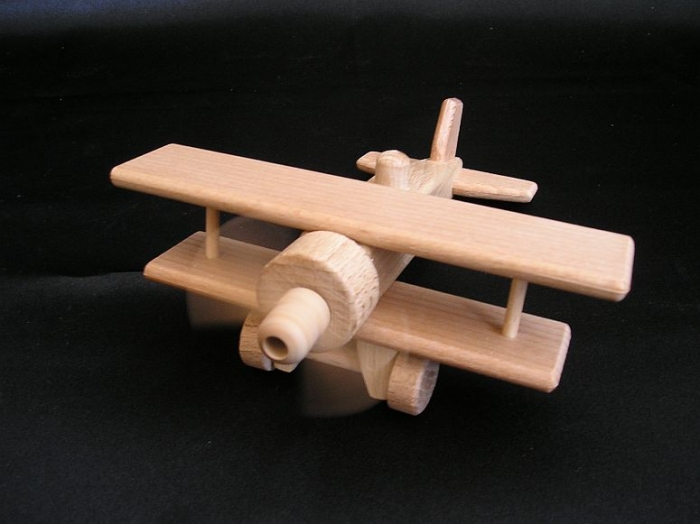 holzspielzeuge-flugzeug-doppeldecker