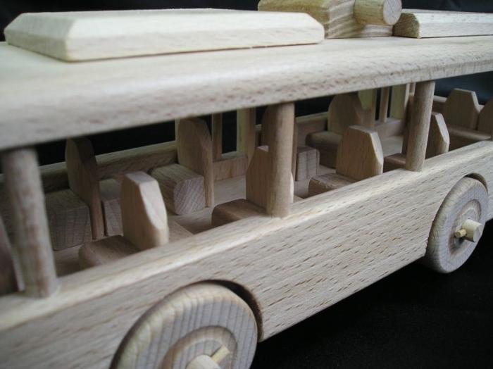 vybaveni-autobusu-trolejbusu-hracek-pro-deti