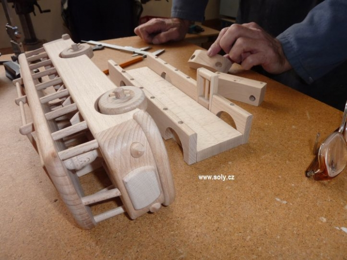 Bus wooden toys