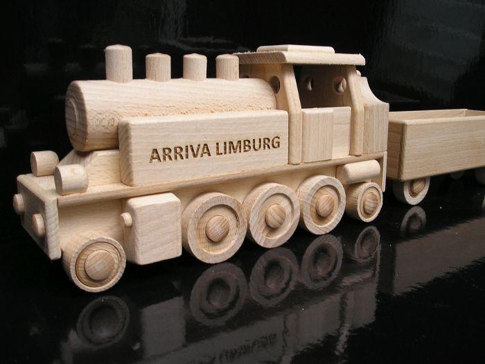 Steam locomotive wooden toys gift