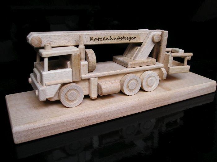 Assembly car platform Gift