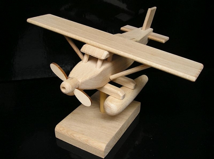 Gift plane seaplane. Gifts for pilots