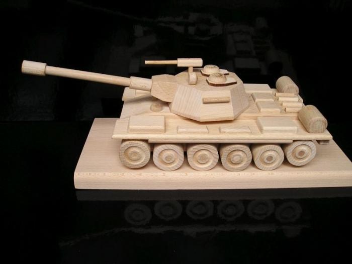 Gift military russian soviet battle tank T72