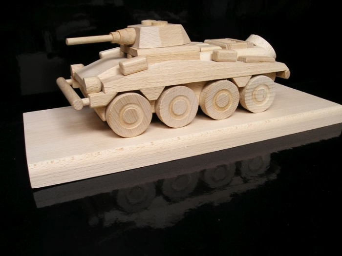 Gift, armored wheeled transporter PUMA