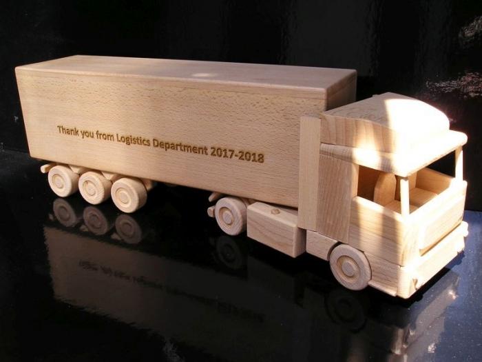 Un-cadeau-pour-les-camionneurs
