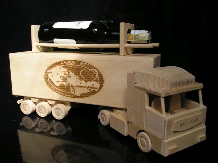 Ajándékok profi teherautó-sofőröknek