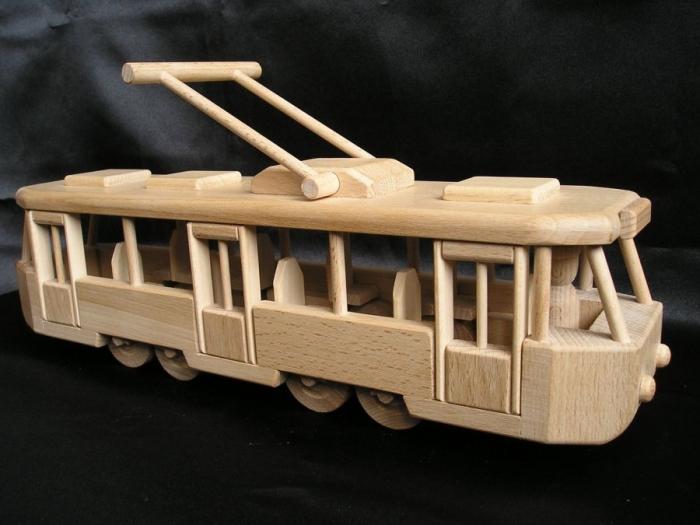 skoda-holz-Straßenbahnen