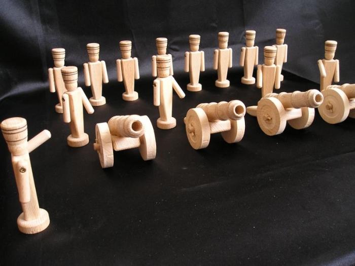wooden-kannonen-und-soldaten-toys