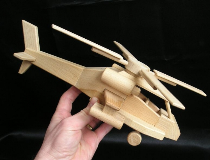 wooden-helicopter-toys