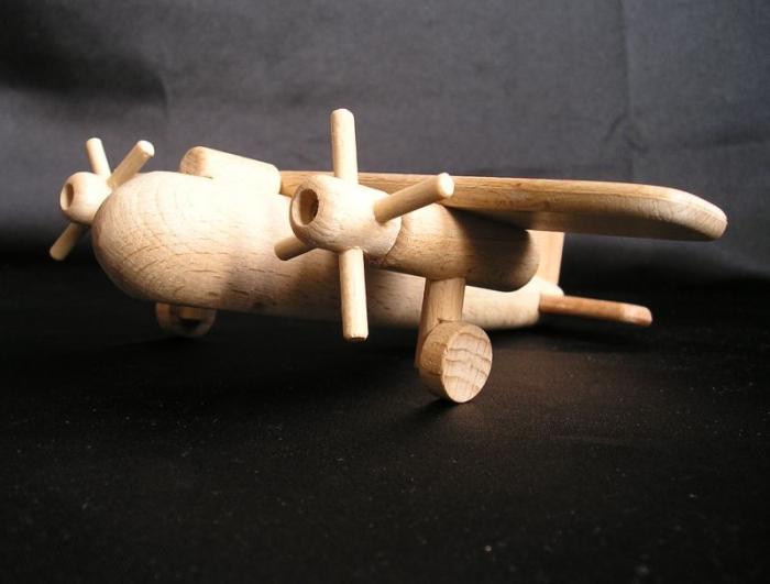aircraft-wooden-modell