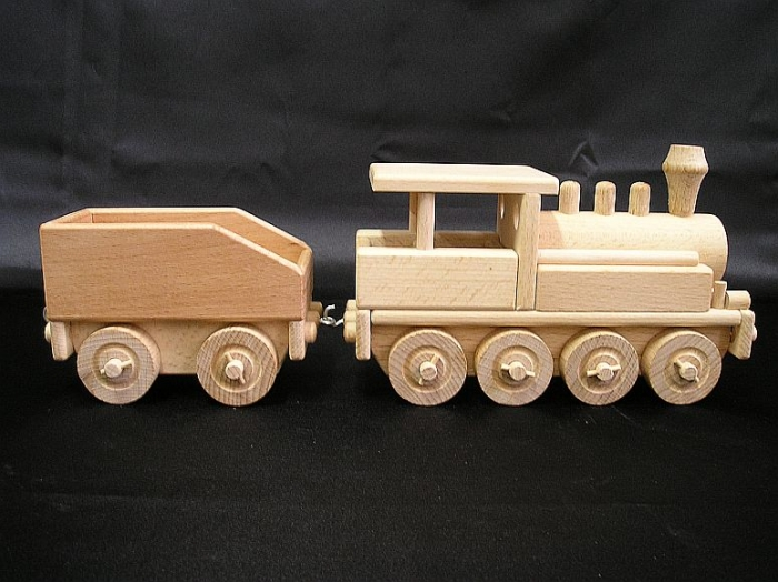 wooden-locomotives-toys